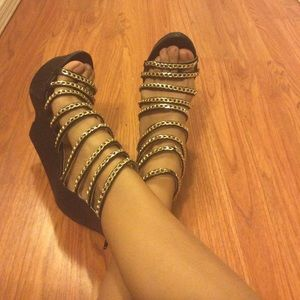Heels with gold chains